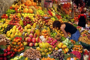 Fruit Stall in Spain. Photo by Daderot, used under the GNU Free Documentation License